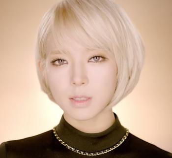 AOA   짧은 치마  Miniskirt  M V   YouTube.png