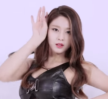 AOA LIKE a CAT ソルヒョン2 YouTube.png